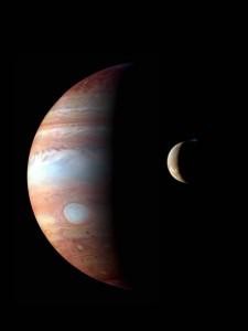 Júpíter and tunglið Jó, séð frá geimkannanum New Horizons, 1. mars 2007, á leið sinni til Plútó. Mynd: NASA/Johns Hopkins University Applied Physics Laboratory/Southwest Research Institute/Goddard Space Flight Center.
